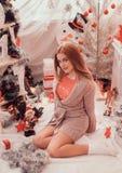 Imagens do ano novo, teste padrão no ano da marinha, foto do Natal, menina, um retrato bonito da menina de uma menina, modelo de  Fotos de Stock