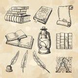 Imagens do conceito da literatura Livros de desenhos da mão do vintage e ferramentas diferentes para escritores ilustração royalty free
