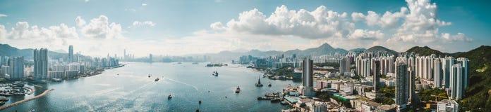 Imagens do panorama da opinião de Hong Kong Cityscape do céu fotos de stock