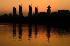Images de silhouette des constructions résidentielles modernes photos libres de droits