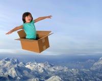 Imaginación, vuelo, muchacha, hora del recreo, diversión, niñez imagen de archivo libre de regalías