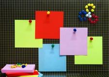 Imagination avec des fournitures de bureau Images stock