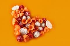 Imagination des légumes avec des carottes et des radis, coeur Image stock