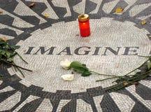 Imaginez le jardin de Strawberry Fields du Central Park de paix photographie stock libre de droits