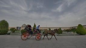 Imam van Isphahan het vervoer van Square stock videobeelden