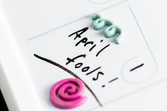 Imbéciles d'avril sur un calendrier photos stock