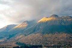 Imbabura inactieve stratovolcano, Otavalo, Ecuador Stock Fotografie
