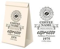 Imballaggio di carta con l'etichetta per i chicchi di caffè Immagine Stock Libera da Diritti