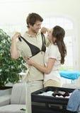 Imballaggio felice delle coppie Immagini Stock Libere da Diritti
