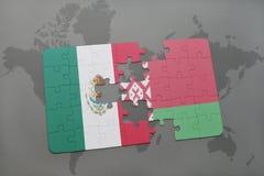 imbarazzi con la bandiera nazionale del Messico e della Bielorussia su un fondo della mappa di mondo Fotografia Stock
