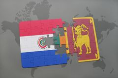 imbarazzi con la bandiera nazionale del Paraguay e della Sri Lanka su una mappa di mondo Fotografie Stock