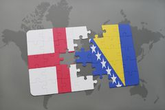imbarazzi con la bandiera nazionale dell'Inghilterra e della Bosnia-Erzegovina su un fondo della mappa di mondo Fotografia Stock