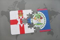 imbarazzi con la bandiera nazionale dell'Irlanda del Nord e di Belize su una mappa di mondo Fotografie Stock Libere da Diritti