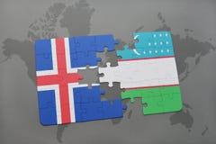 imbarazzi con la bandiera nazionale dell'Islanda e dell'Uzbekistan su una mappa di mondo Fotografia Stock