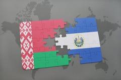 imbarazzi con la bandiera nazionale della Bielorussia e del El Salvador su una mappa di mondo Fotografia Stock Libera da Diritti