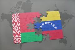 imbarazzi con la bandiera nazionale della Bielorussia e del Venezuela su una mappa di mondo Fotografia Stock Libera da Diritti