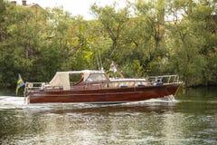 Imbarcazione a motore di mogano classica Stoccolma Svezia fotografia stock libera da diritti
