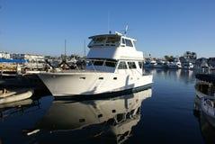 Imbarcazione a motore riflettente Fotografie Stock