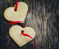 Imbirowi ciastka w formie serc Fotografia Royalty Free