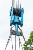 Imbracatura d'acciaio resistente del cavo metallico sul gancio Fotografia Stock