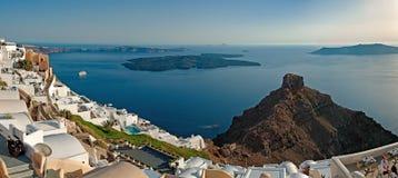 从Imerovigli大阳台的破火山口视图在圣托里尼,希腊3 库存图片