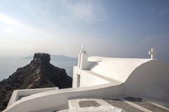 Imerovigli, Santorini, Grécia - 22 de outubro de 2014: Rocha de Skaros Opinião do Caldera - Immagine imagem de stock royalty free