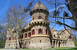 Imitacja średniowieczny ruina kasztel, Lednice, republika czech zdjęcia stock