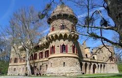Imitatie van middeleeuws ruïnekasteel, Lednice, Tsjechische republiek stock foto's