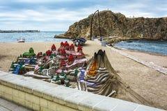 Imitation d'un paysage de montagne du sable sur une station thermale de plage de ville Photographie stock
