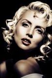 Imitation de Marilyn Monroe. Rétro type photo stock