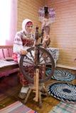 Imitazione di vita rurale nella capanna russa Fotografia Stock
