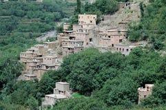 Imlil by och dal, höga kartbokberg, Marocko Arkivbild