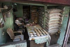 Immagazzini il venditore del riso Il Kochi forte, India Fotografie Stock