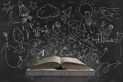 Immaginazione e libro fotografie stock libere da diritti