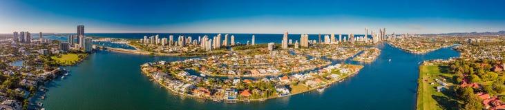 Immagine aerea del paradiso e di Southport dei surfisti sulla Gold Coast Fotografia Stock Libera da Diritti