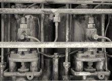 Immagine alta vicina di monocromio di vecchio motore d'arrugginimento Fotografie Stock