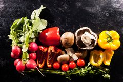 Immagine artistica di tipo differente di verdure organiche sane o Fotografia Stock Libera da Diritti