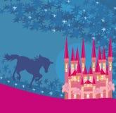 Immagine astratta di un castello e di un unicorno rosa Fotografia Stock