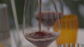 Immagine astratta di un vetro di vino archivi video