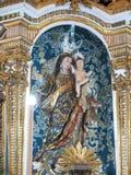 Immagine cattolica del san dalla chiesa immagine stock