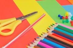 Immagine colorata delle matite nel complesso Matite colorate luminose Fotografia Stock