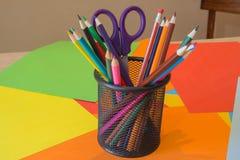 Immagine colorata delle matite nel complesso Matite colorate luminose Fotografie Stock