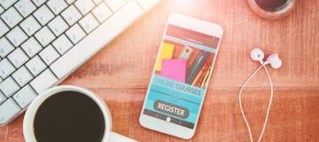 Immagine composita 3d dell'immagine digitale dell'interfaccia di e-learning sullo schermo Fotografie Stock Libere da Diritti