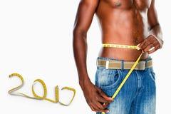 immagine composita 3D di metà di sezione di una vita di misurazione dell'uomo senza camicia di misura Fotografia Stock