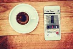 Immagine composita degli altoparlanti da vendere visualizzato sulla pagina Web Fotografia Stock Libera da Diritti
