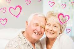 Immagine composita dei cuori senior 3d dei biglietti di S. Valentino e delle coppie Fotografia Stock Libera da Diritti
