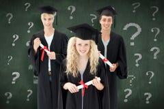 Immagine composita del gruppo di adolescenti che celebrano dopo la graduazione Immagine Stock Libera da Diritti