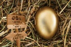 Immagine composita del segno di caccia dell'uovo di Pasqua Fotografie Stock Libere da Diritti