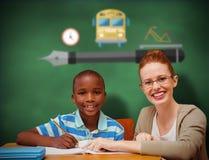 Immagine composita dell'allievo e dell'insegnante felici Immagine Stock
