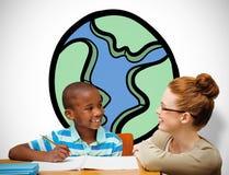 Immagine composita dell'allievo e dell'insegnante felici Immagini Stock